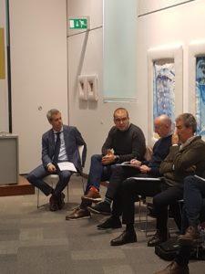 El diputado Adrián Ballester interviniendo en el tercer Workshops de Alicante/Alex Ferrer.