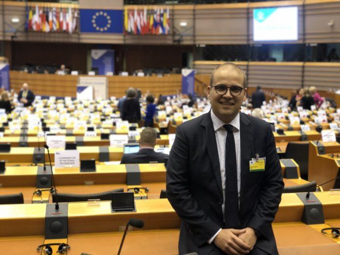 Adrián Ballester en el Parlamento Europeo.