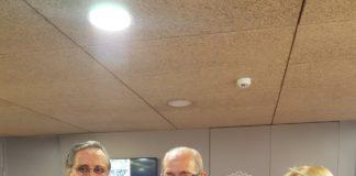 José Ramón González (en el centro) junto a Alfredo Llopis posando con el Capuchino 2019/ Alex Ferrer.