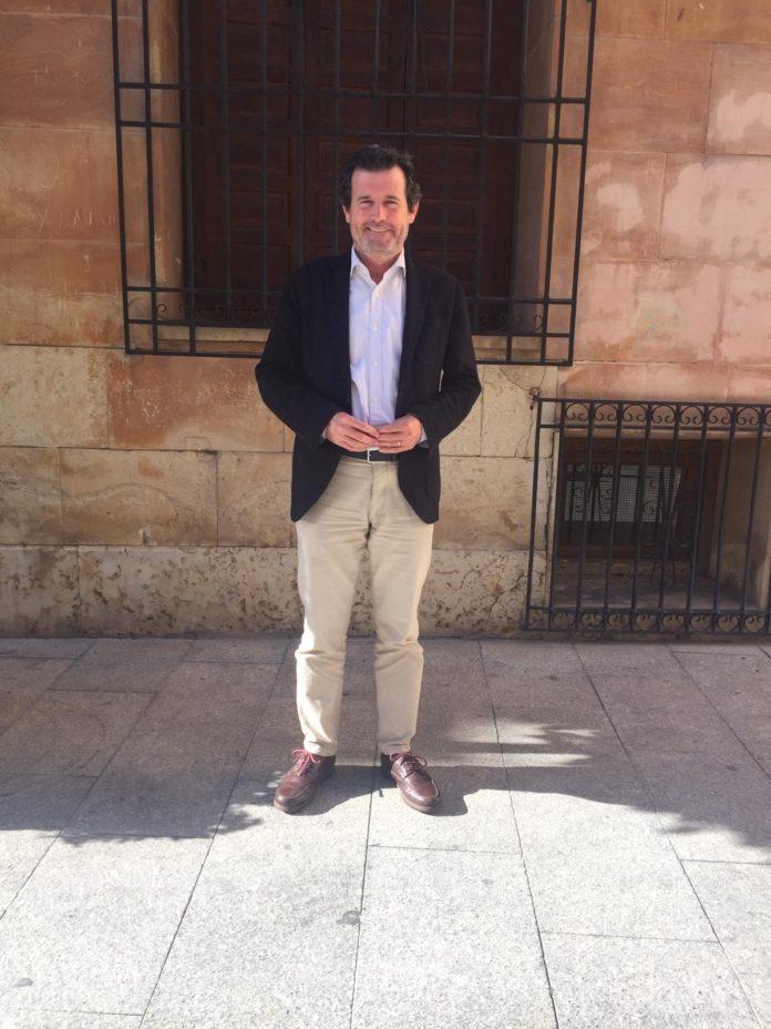 José Císcar posando sonriente / PP Alicante