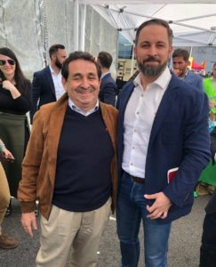 Manuel Mestre con Santiago Abascal en un ato de VOX en Barcelona / Manuel Mestre Barea