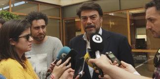 Luis Barcala manifestando su intención de gobernar con Cs.