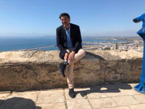 Luis Barcala posando sonriente en el Castillo de Santa Bárbara / Populares Alicante