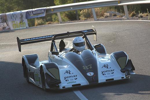 Imagen de un piloto durante el campeonato automovilístico