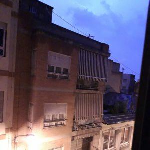 La tormenta eléctrica ilumina a Alicante de madrugada / Natxo Bellido