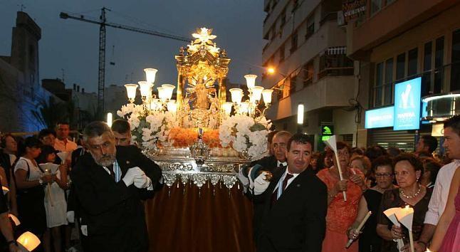 La solemne procesión de la Virgen de Loreto / Diario Información
