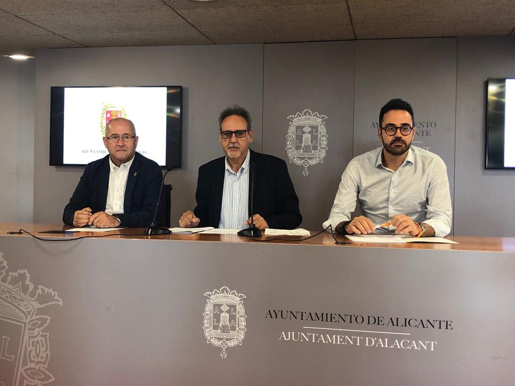 osé Ramón González, Manuel Jiménez y Adrián Santos durante la rueda de prensa / Ayuntamiento de Alicante
