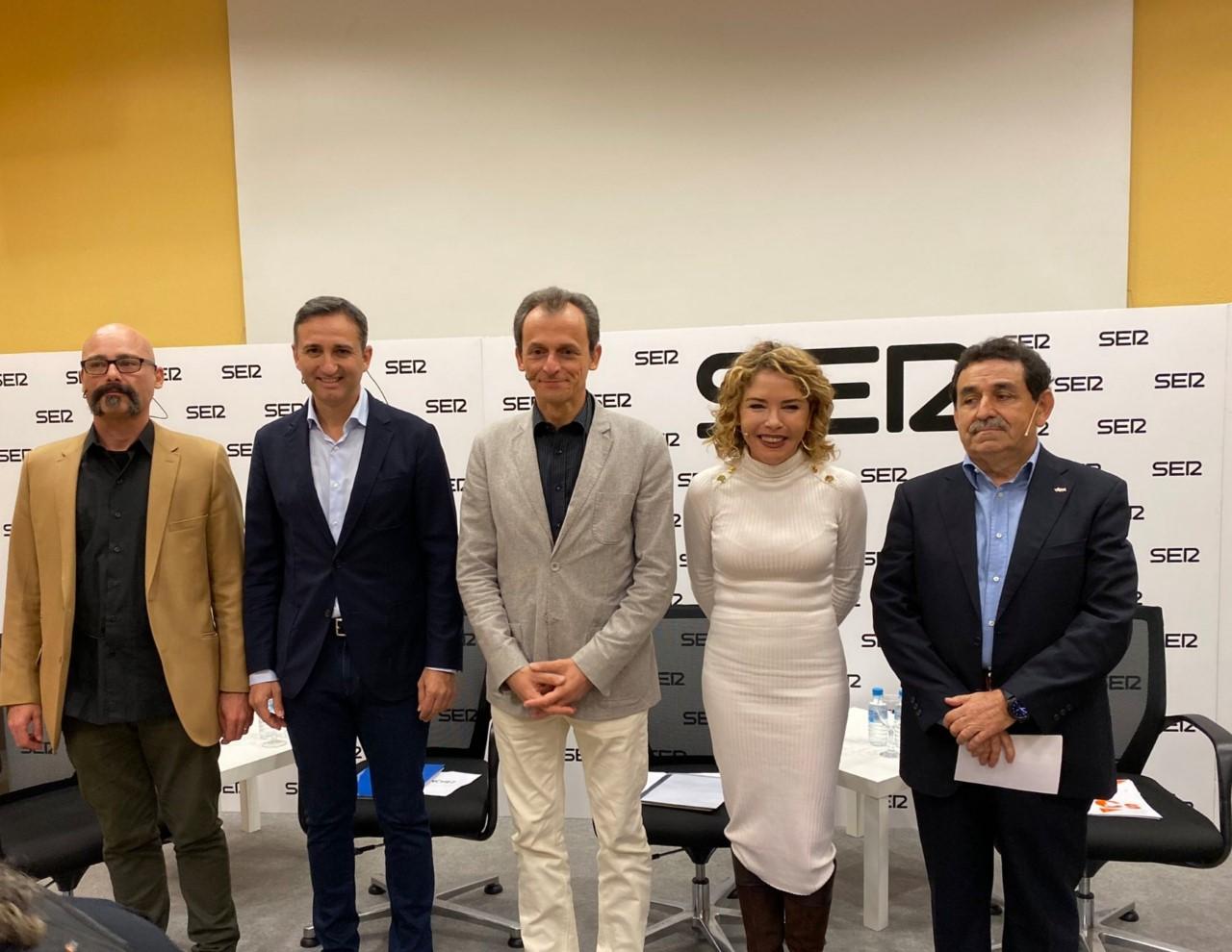 Txema Guijarro, Cesar Sánchez, Pedro Duque, Marta Martín y Manuel Mestre en el debate de la Ser para el 10-N.