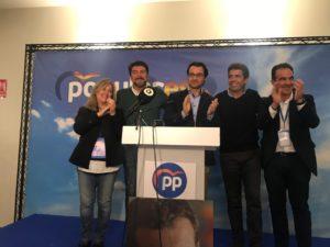 Montesinos, Barcala, Dolón, Mazón y Peral, contentos en la noche electoral del PP Alicante / PP Alicante