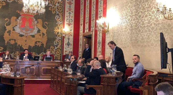 Natxo Bellido durante una intervención en un Pleno de Alicante / Compromís Alacant