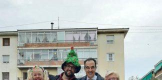 El edil Antonio Peral inmortalizando un momento del acto navideño / Ayuntamiento de Alicante