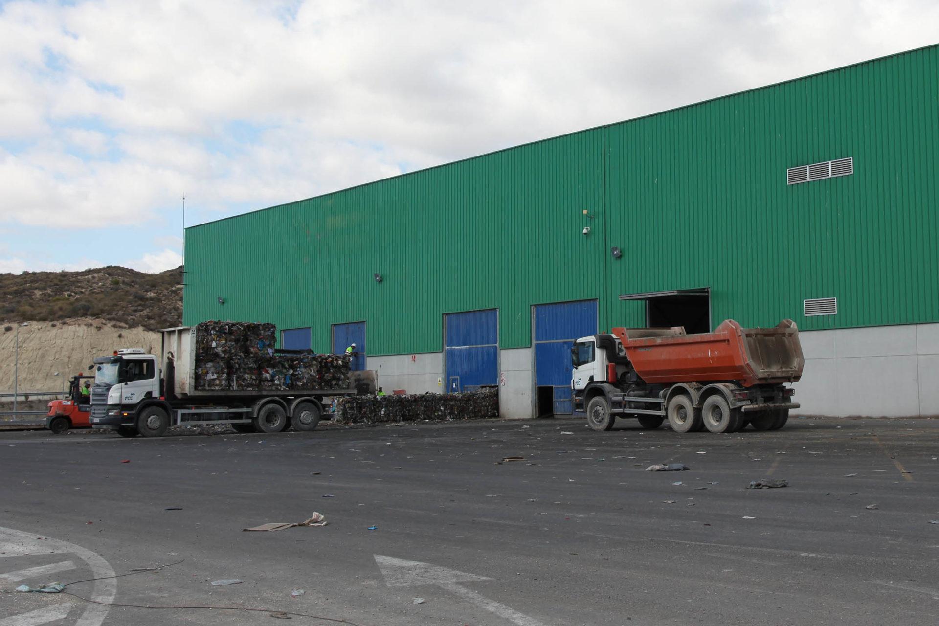 almacén gestión residuos