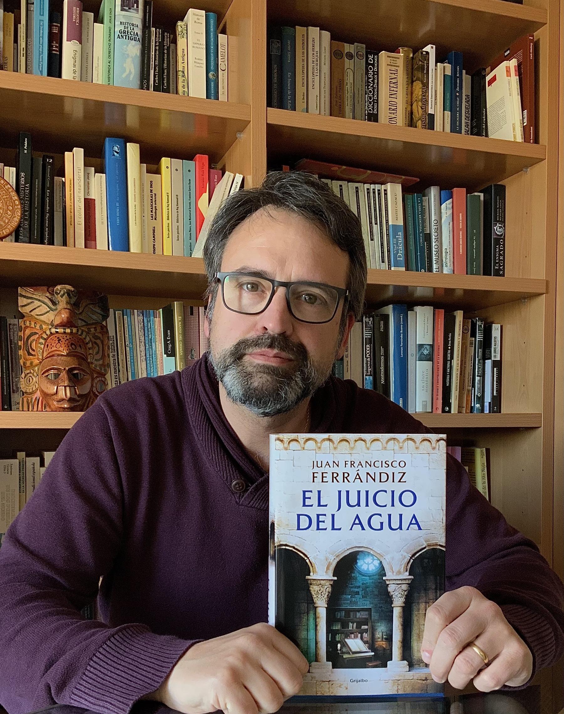 Autor del libro El Juicio del Agua