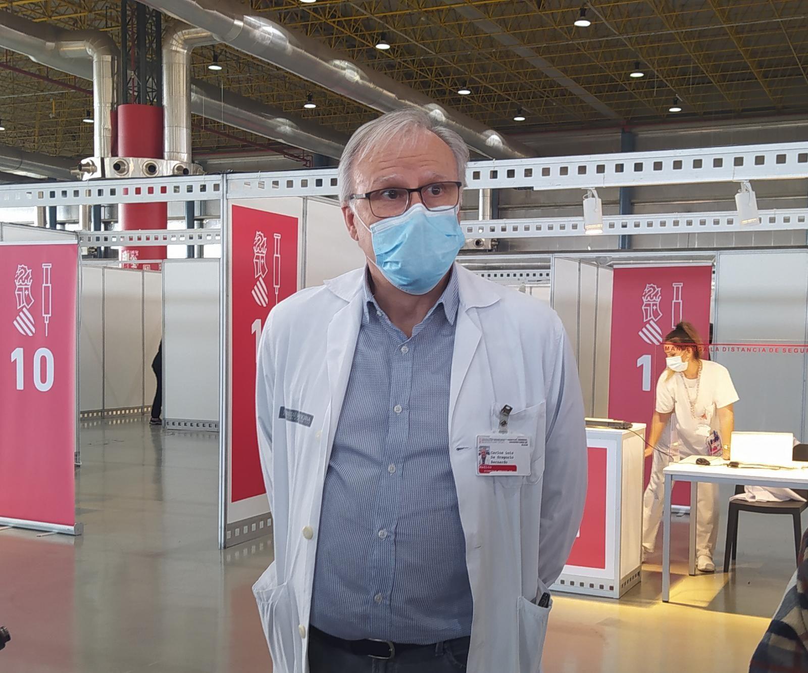 Carlos de Gregorio, director médico Área Salud Elcheco