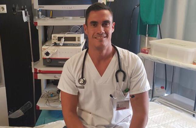 Doctor Baeza, neumólogo del Hospital General de Elche