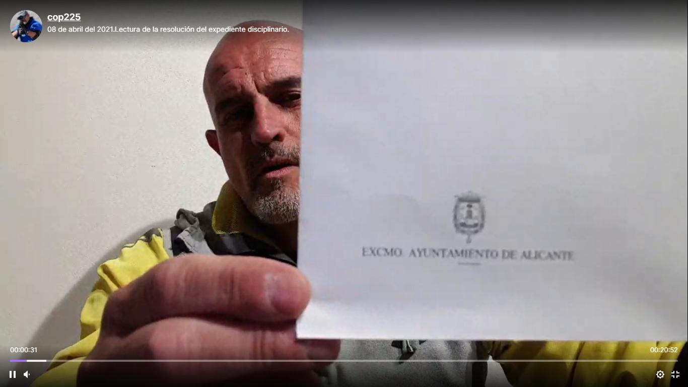 Policía local de Alicante suspendido de empleo y sueldo por negarse a llevar la mascarilla