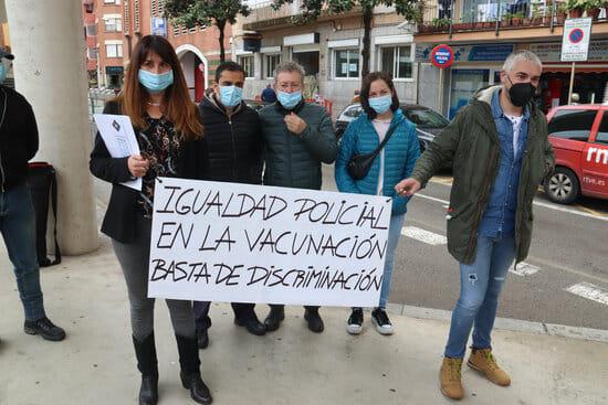 Concentración de CNP en Cataluña por la vacunación (Imagen: ARP)