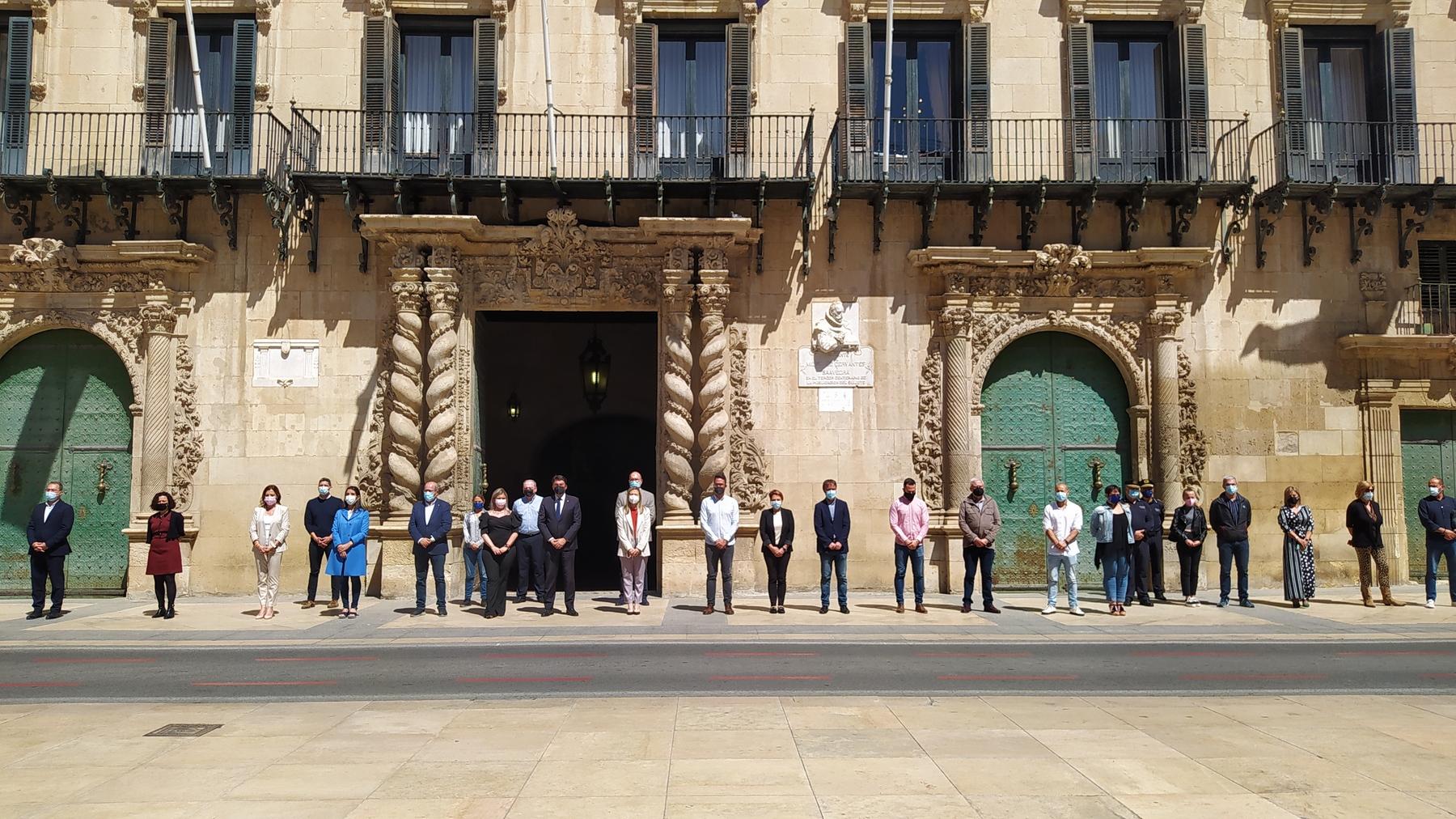 Minuto silencio en Alicante por mujer asesinada en Sagunto