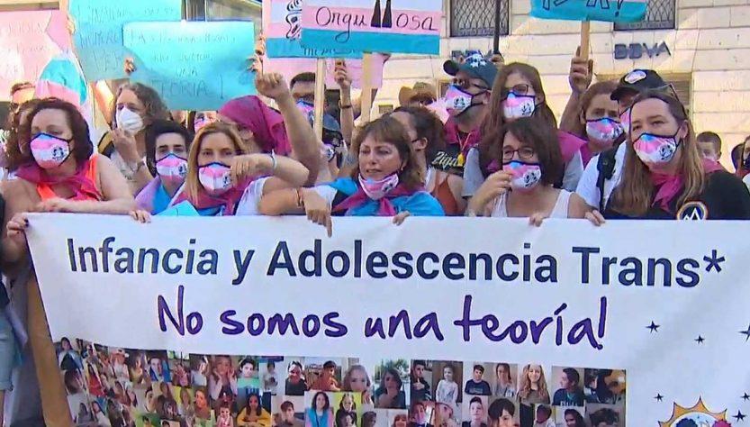 Acto reivindicativo por los derechos de los menores trans (Imagen; chrysallis.org)